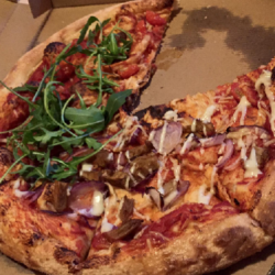 vegan pizza - vegan eten - vegan magazine - Vegan Pizza bij New York Pizza - vegan