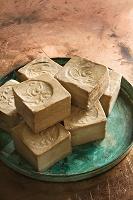 aleppo zeep - vegan zeep - puur natuur zeep - natuurlijk - natuurlijke huidverzorging - Aleppo zeep
