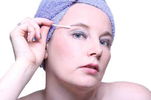 wenkbrauwen epileren - beauty - beauty tips - groene beauty - groene beauty tips - vegan magazine - vegan - vega - veganistisch -