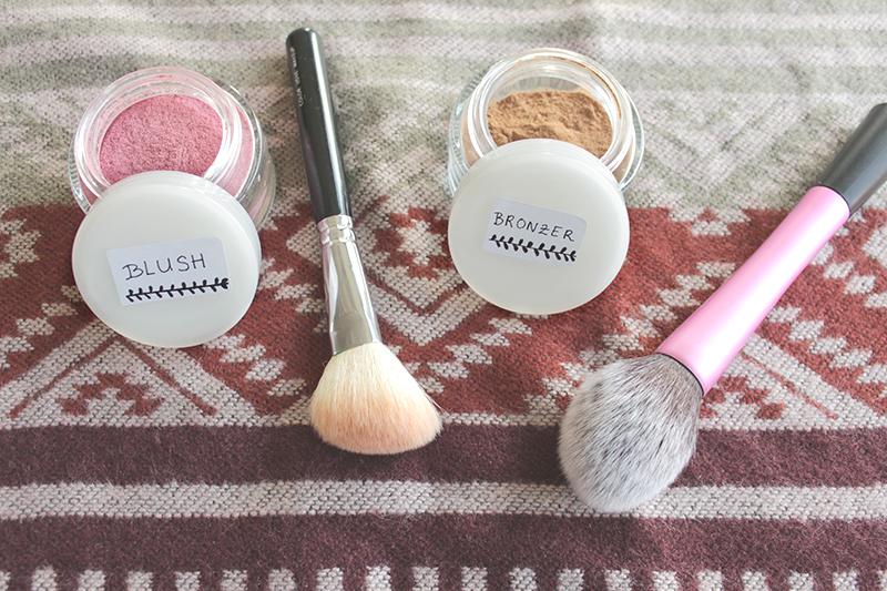 DIY poeder, blush en bronzer - zelf make-up maken