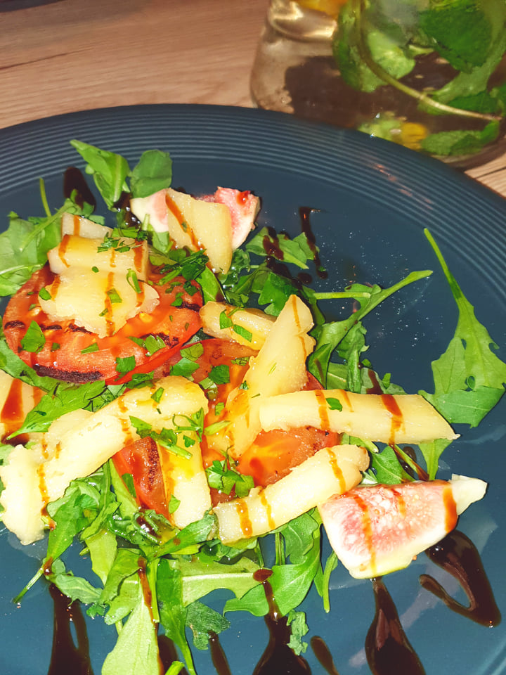 Vegan gegrilde haloumi, vegan grieks eten