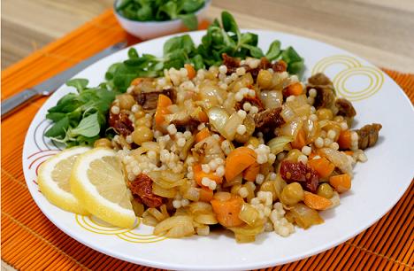 Kip-kikkererwtenschotel met parelcous-cous  - vegan recept - vegan maaltijdbox - vegan eten