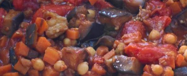 Vegan auberginestoofpot met kikkererwten