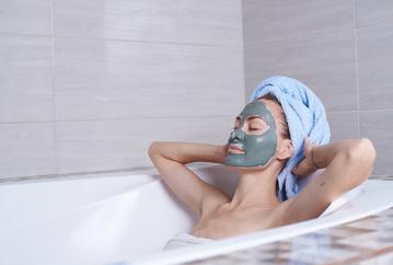 Masker - vegan moddermasker - kleimasker - gezichtmasker - waar is gezichtsmasker goed voor? -