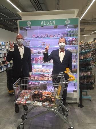 vegan in de supermarkt - vegan boodschappen doen - Rik Joosten - Jonh Hoeks