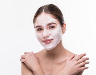 huidreinigen - gezichtsreiniger - gezichts peeling