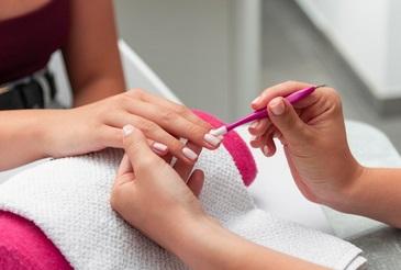 nagelriemen - nagelriemen verzorgen - hand en nagelverzorging