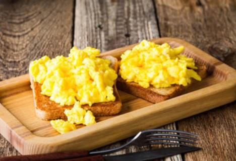 vegan scrambled egg - scrambled tofu