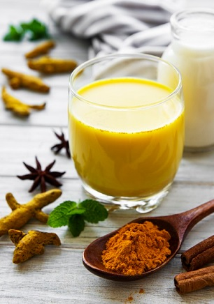 wat is gouden melk eigenlijk en hoe maak je het?