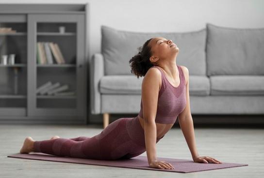 yoga thuis op de mat