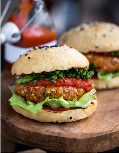 Koreaanse tempehburger voor bij de vegan barbecue